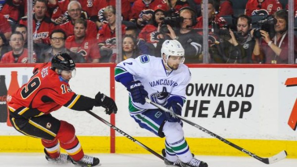 vancouver canucks lose to calgary flames stanle cup playoffs 2015 nhl