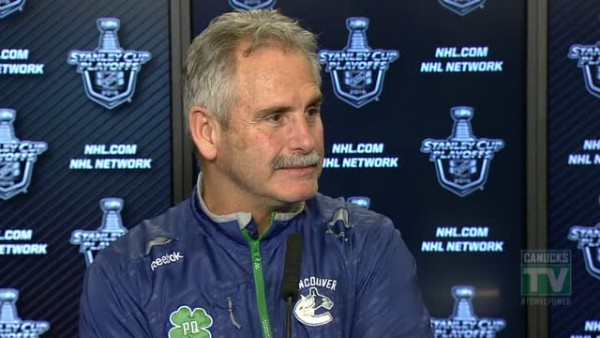 willie desjardins answers criticism from edia about vancouver canucks loss 2015