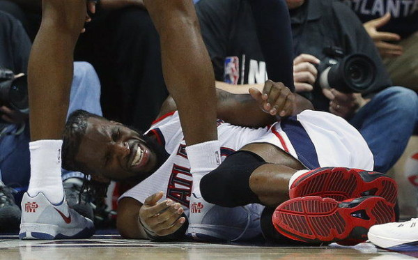 DeMarre Carroll Injury atlanta hawks vs cleveland nba 2015