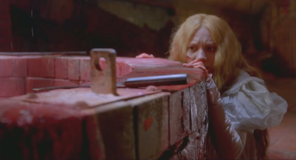 Mia Wasikowska crimson peak bloody tubs 2015 images