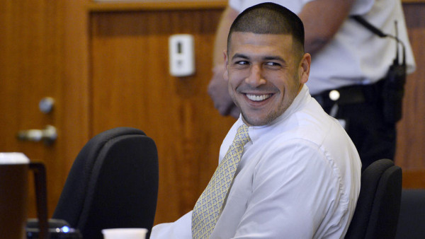 aaron hernandez using charm to fit into prison 2015