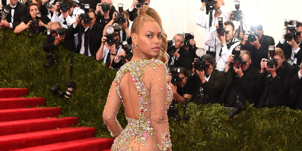 beyonce met gala dress gets complaints 2015 gossip