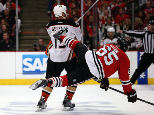 chicago blackhawks beat anaheim ducks stanley cup playoffs 2015