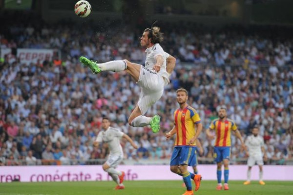gareth bale high kick for real madrid draw with valencia la liga 2015