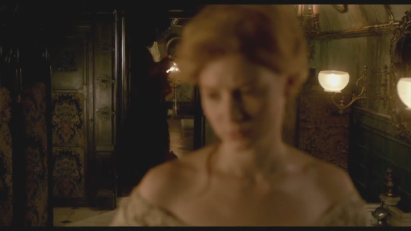 ghost lurking in crimson peak 2015 images