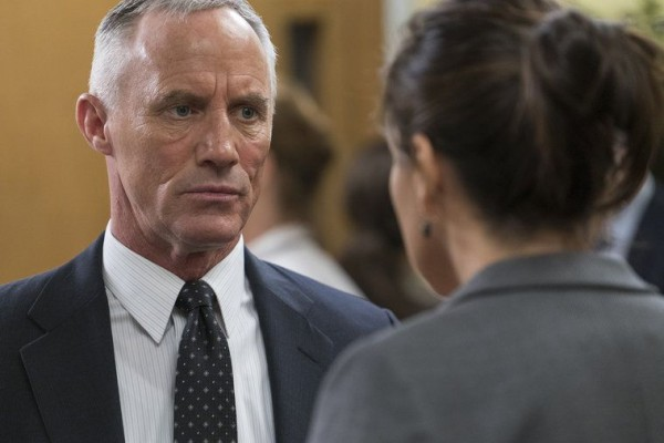 law order svu surrendering noah images 2015 759x506-003