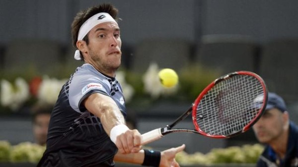 leonardo mayer takes on dominic thiem nice open 2015