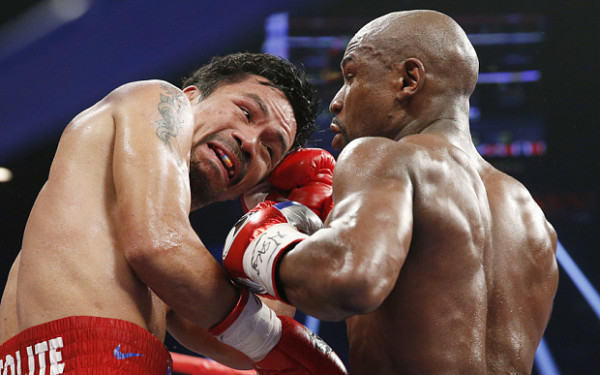 mayweather gets in on manny pacquiao 2015