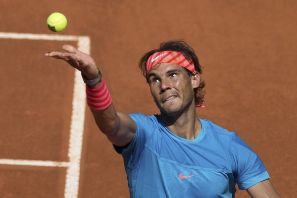 rafael nadal rafi serving to grigor dimitrov madrid open 2015
