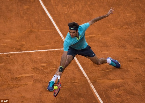 roger federer returning to nick kyrgios at 2015 madrid open