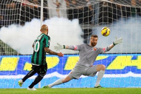 roma beats sassuolo serie a soccer 2015