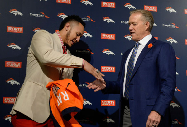 shane ray hand jobbing john elway for nfl draft pick denver 2015