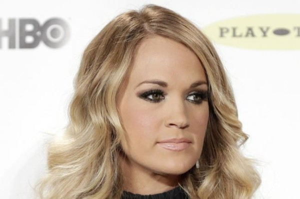 carrie underwood pregnancy worries 2015 gossip
