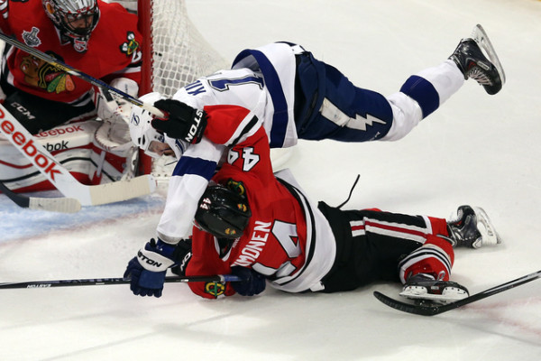 chicago blackhawks level up tampa bay lightning stanley cup finals 2015