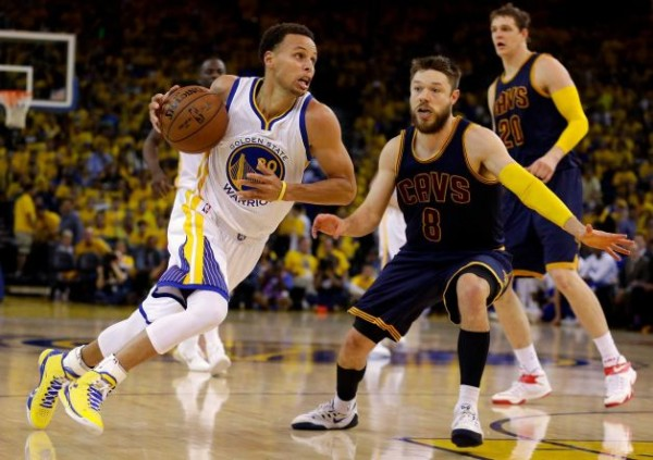 cleveland cavaliers beat warriors nba finals game 2 images 2015