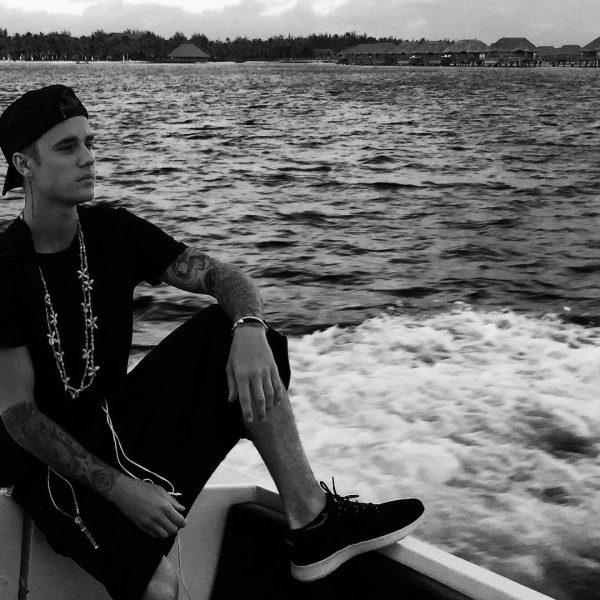just bieber sitting on boat bulge 2015 gossip