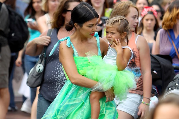 kourtney kardashian with penelope disick at disneyland 2015 gossip
