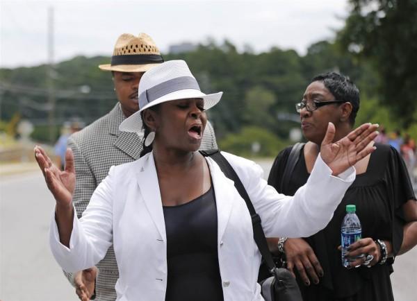 leolah brown banned from bobbi kristina funeral 2015