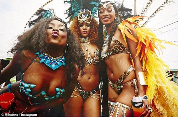 rihanna works on parade 2015 gossip