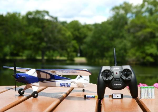 hottest holiday tech toys horizon hobby hobbyzone sport cub rc plane 2015