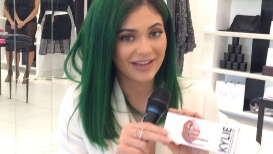 kylie jenner lip sticking well for buyers 2015 gossip