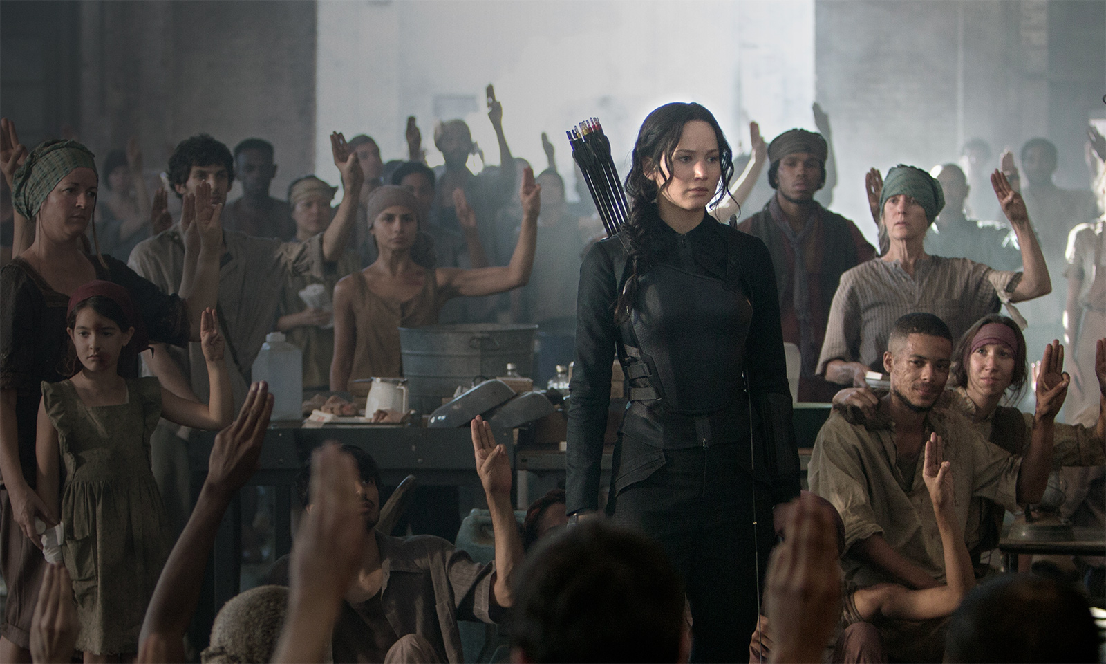 jennifer lawrence hunger games mockingjay part 1 images
