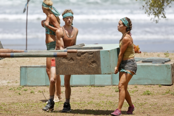 josh canfield in immunity challenge on survivor images 2014