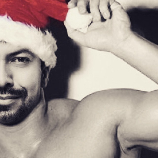 sexy santa jared let shirtless men images 2014 640×640-004