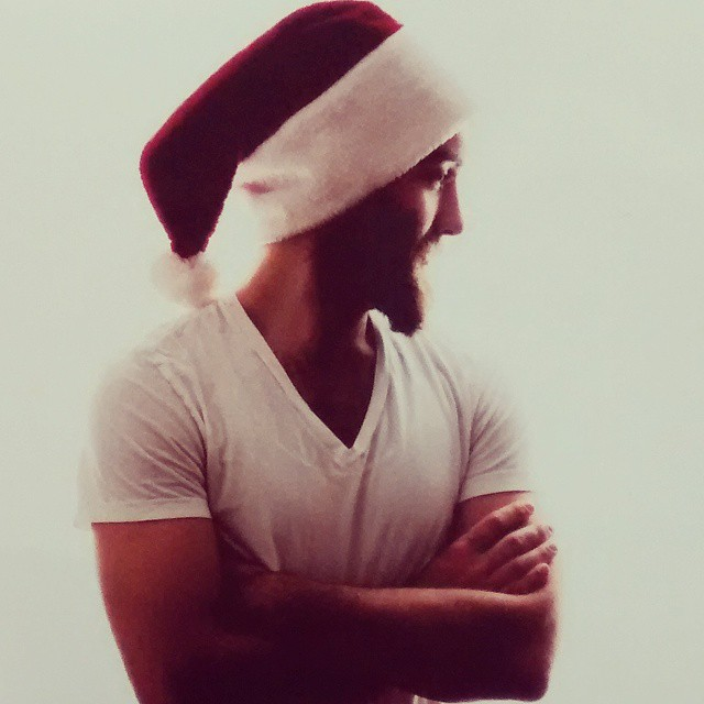 sexy santa jared let shirtless men images 2014 640×640-019