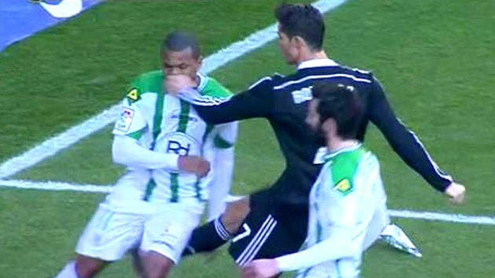 cristiano ronaldo fisting cordoba defender in nose for real madrid soccer 2015
