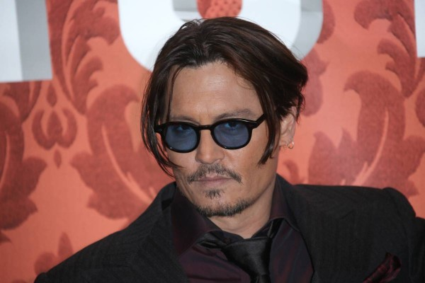 johnny depp hates actors trying to be singers 2015