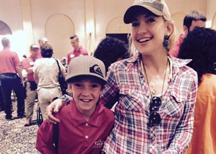 kate hudson in mexico with son ryder for charity 2015