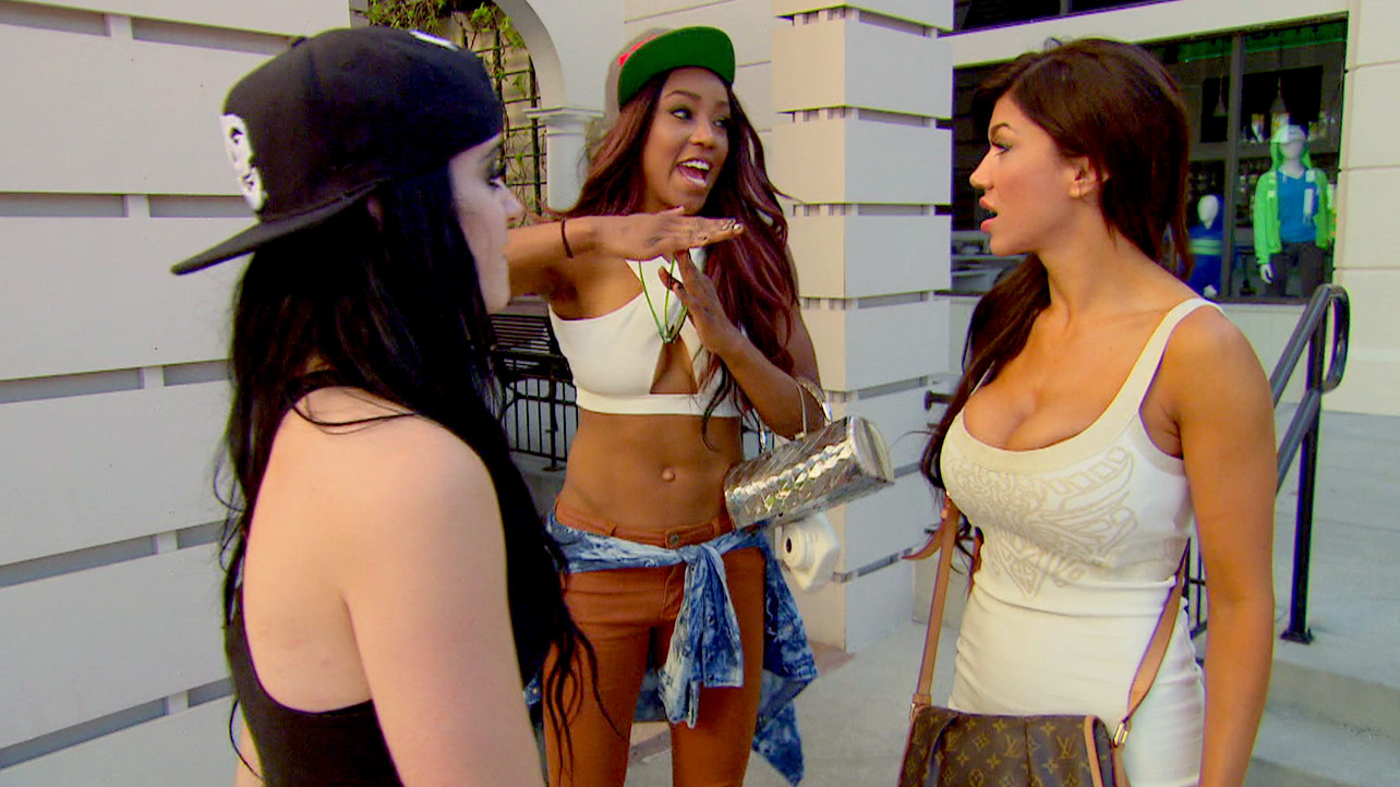 natalya meets paige and alicia for total divas ep 14 recap images 2015