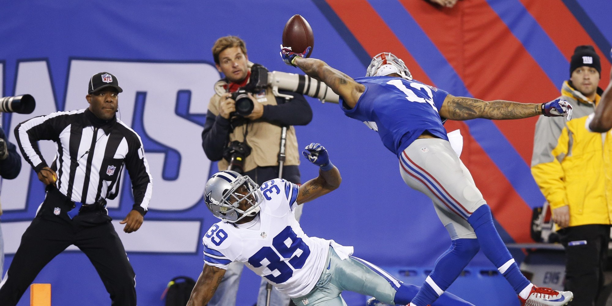 odell beckham philadelphia eagles take down giants nfl 2015 images