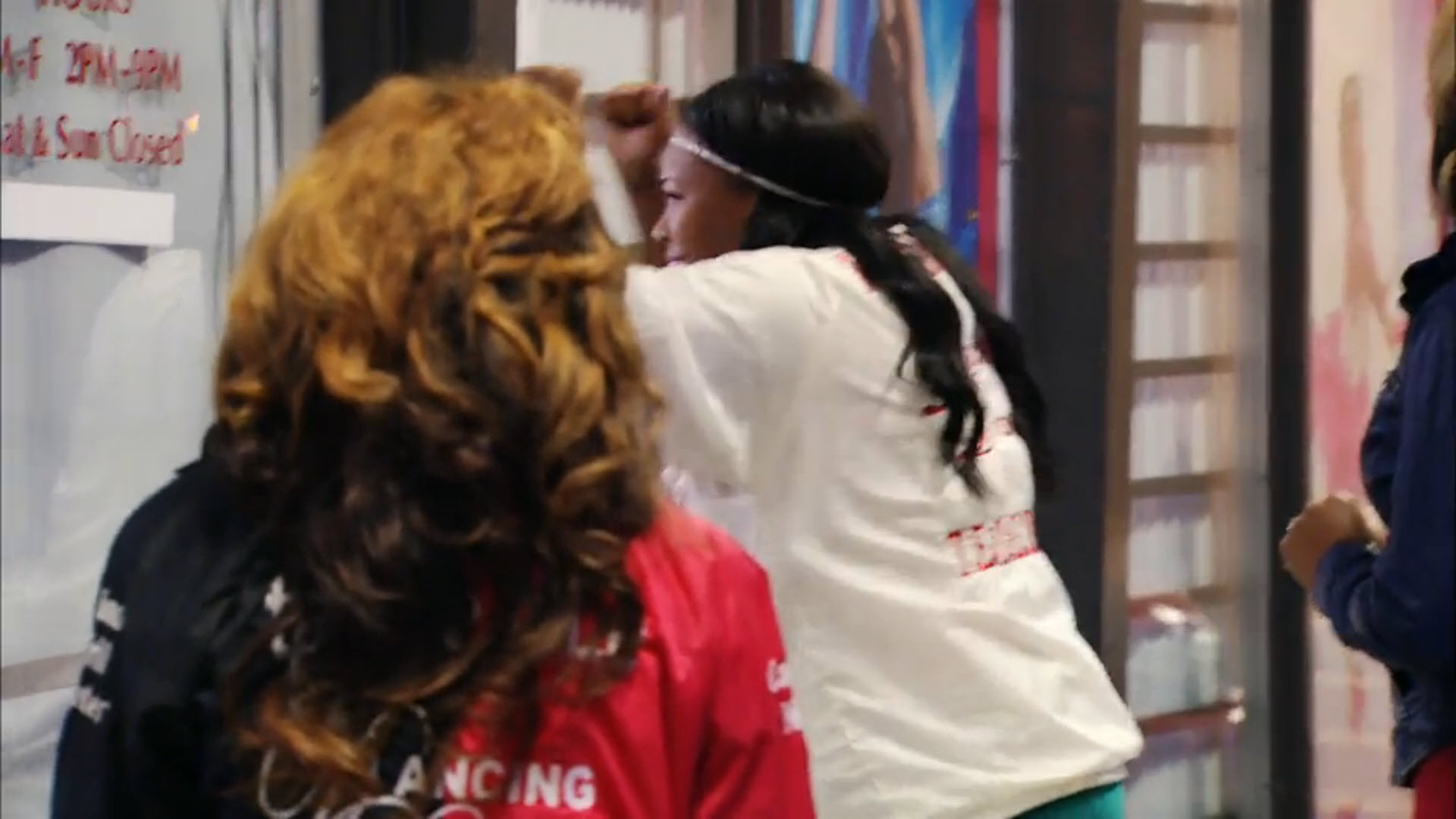 tawantza banging on miss ds door in bring it season 3 2015