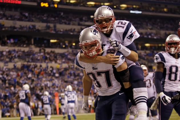 tom brady riding bare rob back gronkowski patriots win 2015 nfl images
