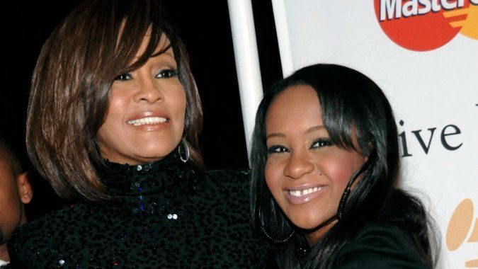 whitney houston with daughter bobbi kristina found dead in bathtub 2015