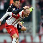 Marvin Bakalorz with Paderborn rides bare on Kevin back for colgne soccer 2015