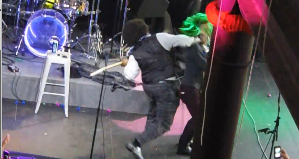 afroman punches female fan onstage gossip 2015 images