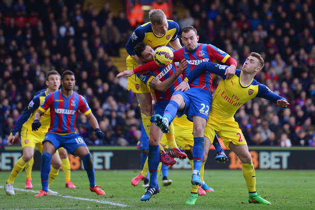 arsenal beats off crystal palace bare soccer back premier league 2015