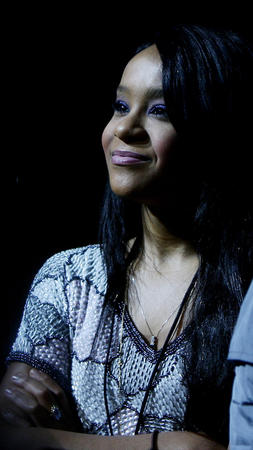 Bobbi Kristina Brown Barely Holding On Surrounded By Family 2015
