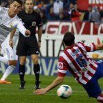 cristiano ronaldo kicking ball or atletico madrid for real madrid la liga 2015