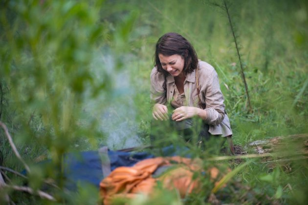 maggie crying on the walking dead 2015 ep 10 images