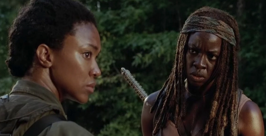 michonne comes to jesus wiht sasha on walking dead season 5 2015