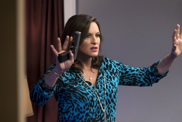 olivia benson hands up for mothers lap dance law order svu 2015 iamges