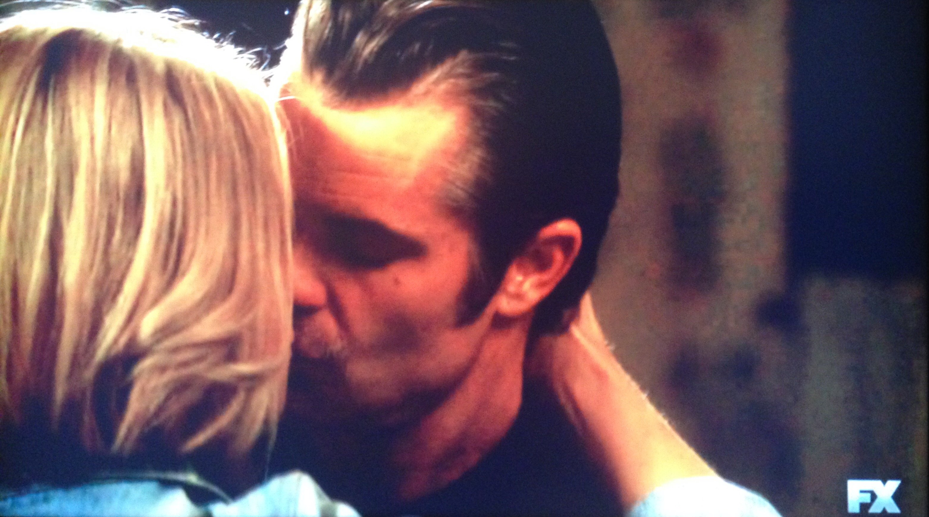 raylan and ava kiss hard for justified sounding 2015