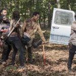 rick walking dead gang carry out dead tyreese to van season 5 2015