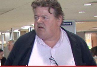 robbie coltrane denies drinking caused flu-like symptoms