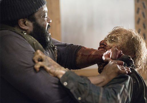 tyreese bitten by walker and dead on walking dead season 5 ep 9