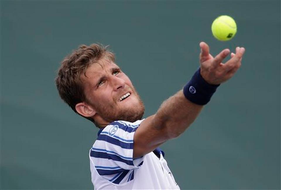 Martin klizan goes against novak djokovic mimai open 2015